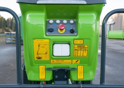 Leguan-135-spider-lift-emerency-and-stop-panel