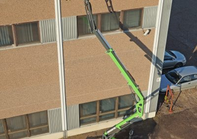 Leguan-135-spider-lift-on-the-wall-7