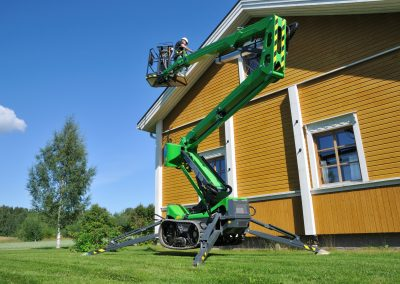 Leguan-160-spider-lift-on-the-wall